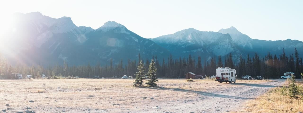 wohnmobil kanada jasper nationalpark fotolia 183686634