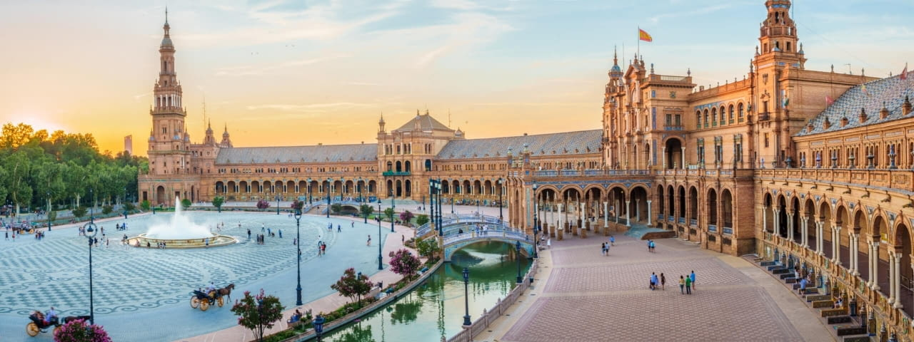 sevilla spanien andalusien plaza de espana fotolia 160181726