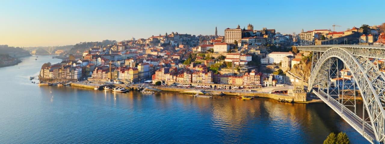 porto portugal fotolia 77400789