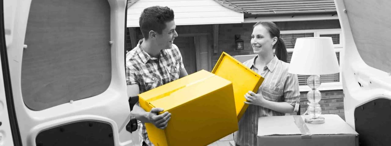 hertz-transporter-gelbe-kiste