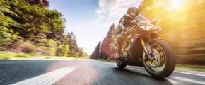 motorrad fahren tipps fotolia 213133023